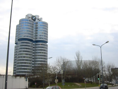 BMW本社.jpg