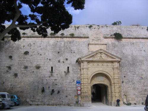 イムディーナのギリシャ門.jpg