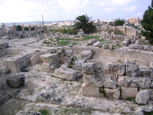 ローマ古美術館の裏1.jpg